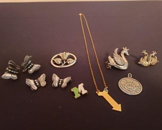 Assorted Sterling Silver Jewelry https://ctbids.com/#!/description/share/209039