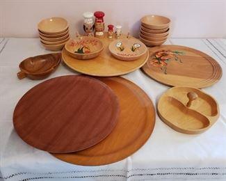 Vintage Wood Pieces https://ctbids.com/#!/description/share/209791
