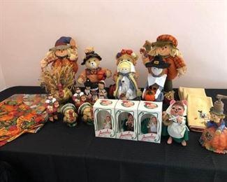 Thanksgiving Decorations https://ctbids.com/#!/description/share/212074