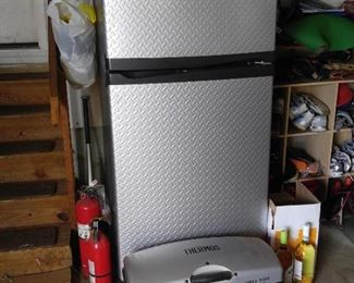 Gladiator Refrigerator & Thermos Grill 2 Go tailgating must