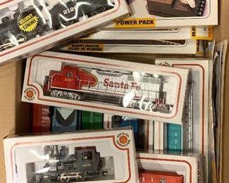 Bachman train set. HO scale. 9 cars, 2 engines, power source, tracks.