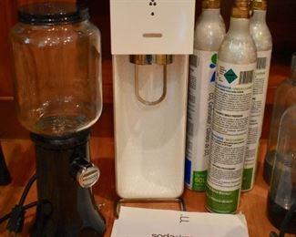 SodaStream and KitchenAid coffee mill