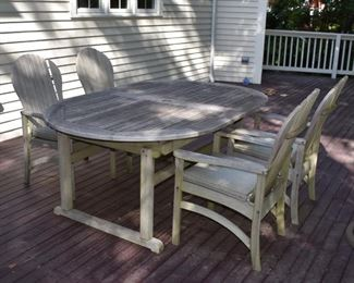 Kingsley Bate teak table with 4 chairs