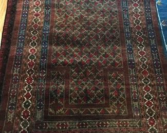 Wool hand knotted rug