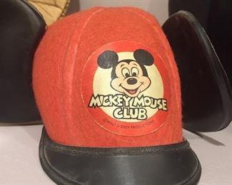 Disneyland souvenir hat