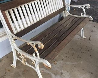 Bench in good condition