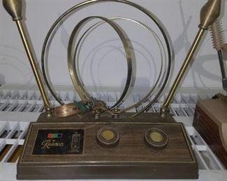 Retro TV antenna