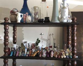 Vases, more shoe decor, pitcher set