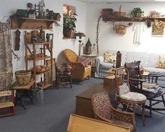 Lots of primitives and cute decorations.