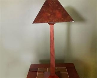 Lot 005  Stickley Oak & Mica Shade Occasional Table Lamp