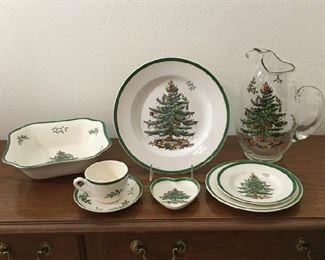 """Spode """"Christmas Tree"""" Dinnerware"""