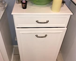 KITCHEN CART WITH HIDEAWAY TRASH CAN HOLDER