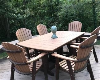 """BERLIN GARDENS AMISH PATIO TABLE WITH 6 CHAIRS AND UMBRELLA  71"""" L x 44"""" W x 30"""" H"""