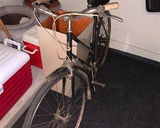VINTAGE ROBIN HOOD BICYCLE