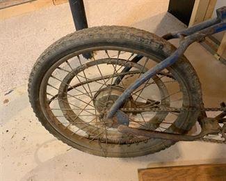 VINTAGE WHIZZER MOTORIZED BICYCLE