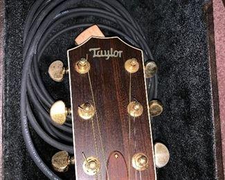 TAYLOR ACOUSTIC GUITAR 810