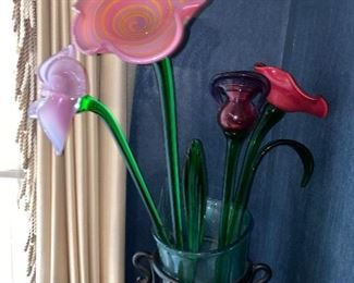 COLORFUL GLASS FLOWERS WITH FLOOR VASE