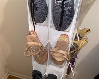 WOMENS SHOES-SIZE 7.5