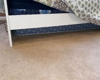 TWIN SIZE TRUNDLE BED