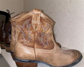 COWBOY BOOTIES-SIZE 7.5