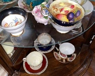 COLLECTION OF TEACUPS
