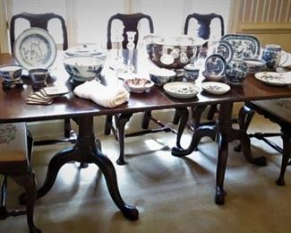Henkel Harris Dining Table w/ 10 Chairs..2 leaves...