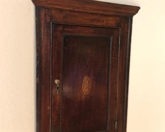 English corner cupboard 1780 Oak