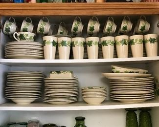 Franciscan Ivy Earthenware with multiple complementary pieces .
