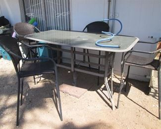 Pub Height Table/4-Chairs