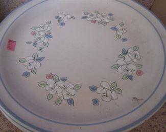"""Chantilly Stoneware """"Fleur de Lune"""""""