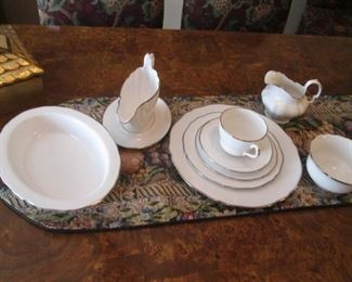 "Spode Fine China Set ""Nordic"" with Platinum Band"
