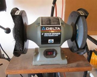 "Delta 8"" Bench Grinder with Lamp"