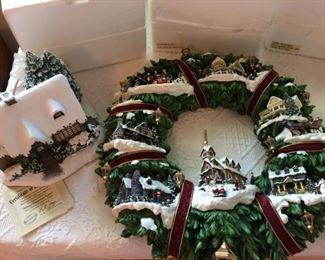 "Thomas Kinkade Illuminated ""Christmas Village"" Wreath - includes original box"
