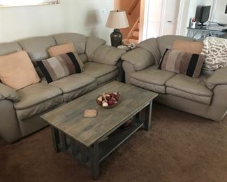 Leather couches and matching recliner with ottoman (another photos)