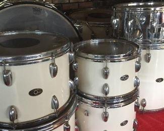 Vintage Late 60s Slingerland Drum Kit