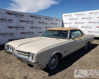 86: 1966 Oldsmobile Ninety Eight, Running! See Video! VIN: 384376M394102 Odometer Reads: 2,431 Automatic transmission and power windows! Has both rear wheel skirts Make: Oldsmobile Model: Ninety-Eight Year: 1966 Mileage: 2,431