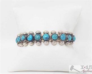 354: Sterling Silver Turquoise Braclet weighs approx. 30.3g Sterling Silver Turquoise Braclet weighs approx. 30.3g