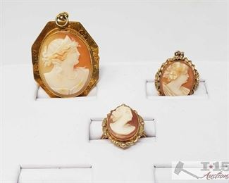 500: 14k Gold Brouche, Pendant and Ring 14k Gold Brouche, Pendant and Ring weaighs approx 12.8g ring size approx 4.5