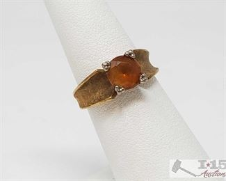 513: 14kt Gold Ring with Gem 14kt Gold Ring with Gem 4.5g approx size 6