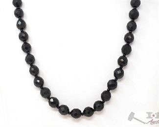 """753: Costume Jewelry Necklace Costume Jewelry Necklace measures approx 10"""""""