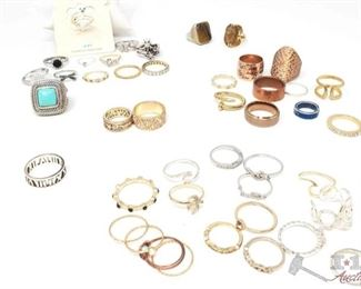 761: Miscellaneous Rings Include Some Sterling Silver and Tungsten Carbide Miscellaneous Rings Include Some Sterling Silver and Tungsten Carbide weights approx 162.7g sizes vary