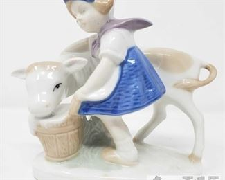 """8506:  1877 Lippelsdorf Child with Cow Figurine This is a vintage GDR 1877 Lippelsdorf #30 crown porcelain girl with cow made in Germany. Stunning! Measures approx 4.5""""×4.5"""" Marking engraved """"11753"""""""