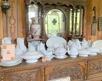 Buffet and Dark Mantle filled with old ironstone