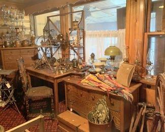 Oak table, oak dresser and lowboy, more lamps