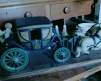 By Schoenhut toys, made in USA.  George Washington Carriage. Awesome toy