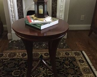 BEAUTIFUL ROUND SIDE TABLE