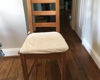 ONE OF 4 KITCHEN CHAIRS