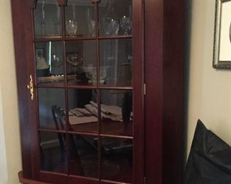 GORGEOUS CORNER CHINA CABINET