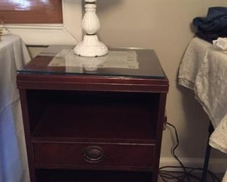 BEDSIDE TABLE WITH GLASS TOP AND 2 SHELVES
