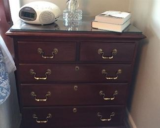1 OF A PAIR OF LINK-TAYLOR NIGHT STANDS